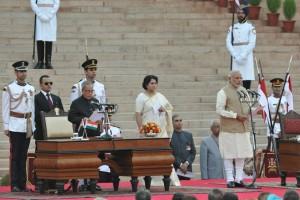 नरेंद्र मोदी अब देश के 15 वें प्रधानमंत्री