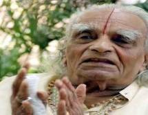 Yoga guru B.K.S. Iyengar passes away