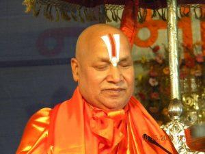 14 जनवरी / जन्मदिवस – दिव्यांग विश्वविद्यालय के निर्माता जगदगुरु स्वामी रामभद्राचार्य