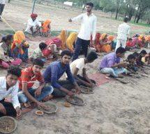 केशवपुरा आदर्श ग्राम – सामूहिक भोज में प्लास्टिक से बने गिलास, चम्मच नहीं