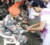 Bengaluru – Samiti Sevika's tied Rakhi's to Trainee soldiers