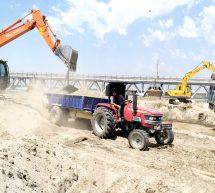 जागृत समाज – सतलुज की दरारों को भरा, रेलवे पुल के नीचे से हटाई 8 फीट तक मिट्टी