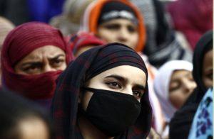 सोशल मीडिया पर दिया तीन तलाक, पीड़िता की शिकायत पर पुलिस ने गिरफ्तार किया