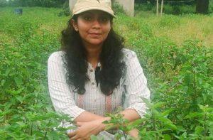 स्वावलंबन – लॉकडाउन में स्टीविया का बाजार घटा तो शुरू की गिलोय व तुलसी की खेती