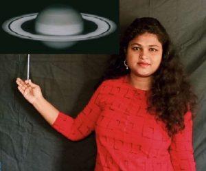 विज्ञान के प्रति रुचि बढ़ाने के ललिए गीत गाकर विज्ञान पढ़ा रहीं शिक्षिका