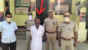 राजस्थान – मंदिर के पुजारी को दिनदहाड़े जिंदा जलाया, मौत