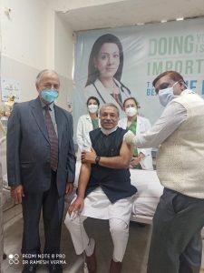 डॉ. सुरेन्द्र जैन ने स्वयं को कोरोना के टीके के परीक्षण के लिए प्रस्तुत किया