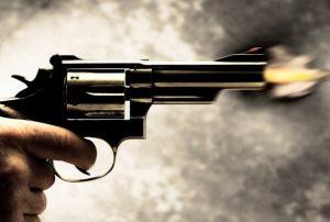 भाजपा अध्यक्ष की सभा में जाते समय दो कार्यकर्ताओं को गोली मारी, तृणमूल पर आरोप