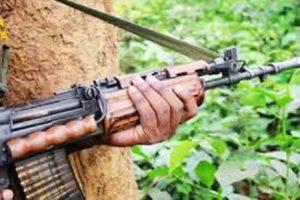 सुरक्षा बलों ने 8 लाख के इनामी नक्सली को मुठभेड़ में मारा गिराया, हथियार सहित सामग्री जब्त