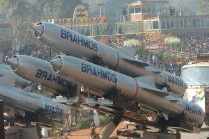 सफलता – ब्रह्मोस सुपरसोनिक मिसाइल के लैंड अटैक वर्जन का सफल परीक्षण