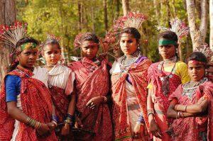 आरक्षण का लाभ जनजातियों को ही मिले, धर्मांतरित हो चुके लोगों को नहीं …!!!