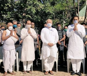 स्व. मा. गो. वैद्य का नागपुर में अंतिम संस्कार किया गया