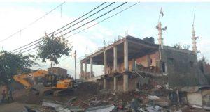 उज्जैन – तकिया मस्जिद क्षेत्र में अतिक्रमण को प्रशासन ने गिराया