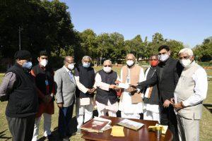 निधि समर्पण अभियान – राज्यपाल कलराज मिश्र ने 1 लाख 1 हजार का दिया सहयोग