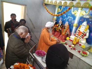 दिल्ली – सरसंघचालक जी ने मंदिर मार्ग स्थित महर्षि वाल्मीकि मंदिर में माथा टेका