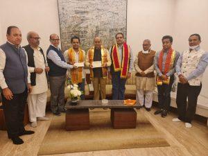 श्रीराम मंदिर निधि समर्पण में अशोक सिंघल जी के परिवार ने समर्पित किए 11 करोड़ रु