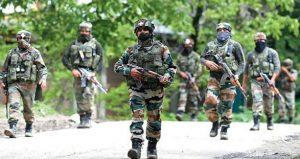 जम्मू कश्मीर – सुरक्षा बलों ने बडगाम में आतंकियों के दो सहयोगियों को गिरफ्तार किया