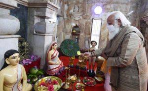 Prime Minister visits Hari Mandir at Orakandi
