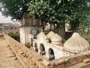 पाकिस्तान – विभाजन के बाद नहीं बना कोई मंदिर, पुराने मंदिरों पर भू-माफिया का कब्जा