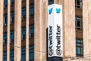Russia Slows down Twitter for not deleting prohibited information, Charges the platform with Administrative Offenses