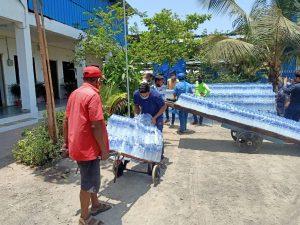 प्रवासी श्रमिकों की सहायता – विहिप ने दस हजार लीटर पीने का पानी एवं मोबाईल स्वच्छता गृहों की व्यवस्था की