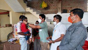 'टीका उत्सव' – टीकाकरण अभियान में सहयोग कर रहे सेवाभारती के स्वयंसेवक, 16 स्थानों पर शिविरों का संचालन