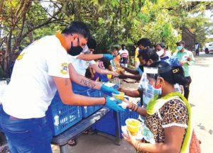 कोरोना संक्रमितों के लिए गोवा यूथ एसोसिएशन की भोजन की व्यवस्था