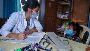 Inspiring – 3year old Naga girl visits doctor alone