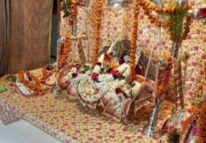 अयोध्या में सावन झूला मेला – 493 वर्ष बाद चांदी के झूले पर विराजमान हुए श्री रामलला