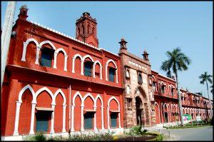 अलीगढ़ मुस्लिम विश्वविद्यालय – कश्मीर पर आक्रमण के समय पाकिस्तानी सेना में भर्ती हो रहे थे विवि के छात्र